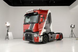 """Nouveau tracteur """"The Boss"""" de chez Renault Trucks"""