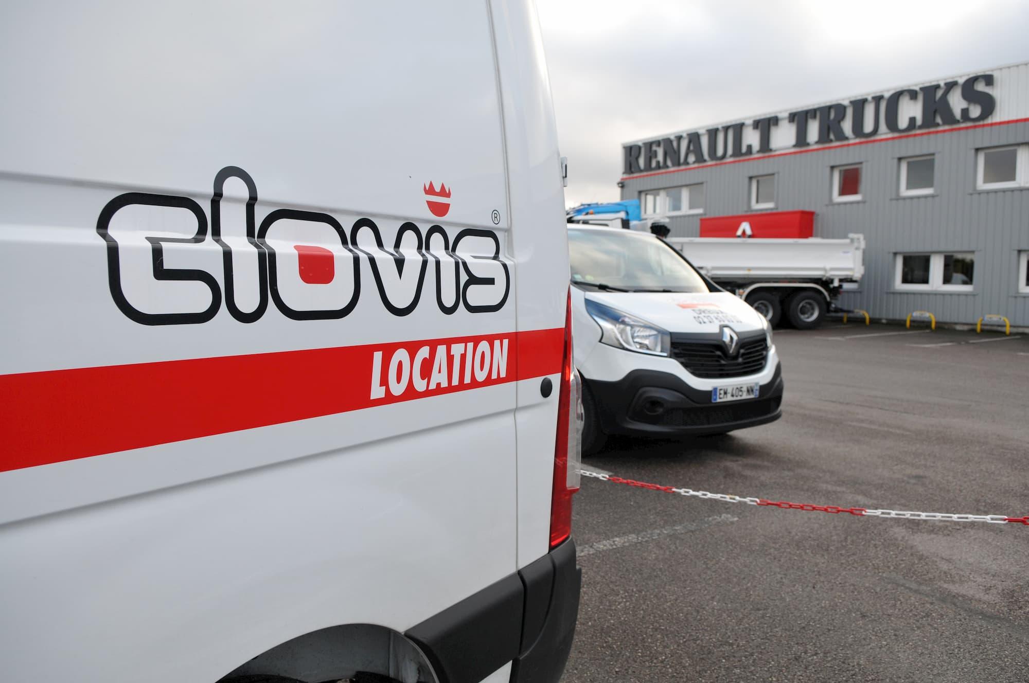 Groupe Renaudeau partenaire de Clovis Location pour la location de VI et camions